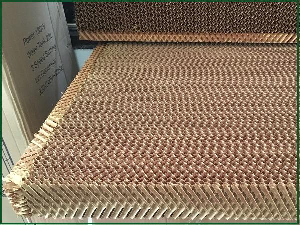 Nguyên liệu chính cấu thành nên tấm làm mát là giấy