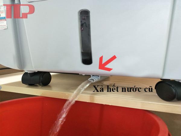 vệ sinh quạt hơi nước